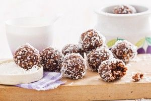 Chia, almond and cacao balls