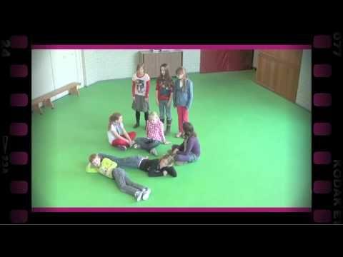 Beeld in evenwicht (dramaoefening bij lesmethode DramaOnline) - YouTube