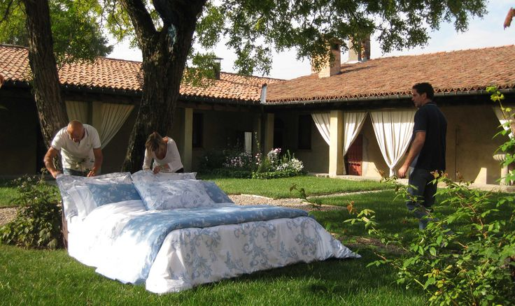 The finest Bellora textiles in the sophisticated atmosphere of the Italian region Franciacorta: see the photos of the shooting of the SS15 collection at the exclusive Capuccini Resort at www.bellora1883.com    #shooting #newcatalog #SpringSummer #bellora #bedlinen