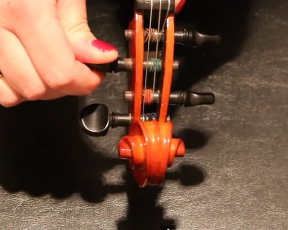 how to fix violin pegs