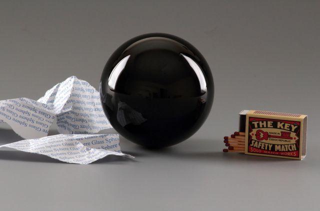 http://www.glass-sphere.com/katalog/161_vestecka-kristalova-koule1876.jpg