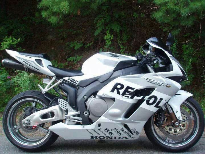 Honda CBR sponsored by Repsol