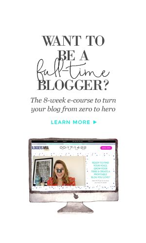 How to be a full-time blogger - get traffic, build an audience and make money blogging!