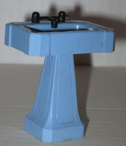 1950s-Dollhouse-Furniture-Pedestal-Sink-by-Ideal