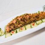 Salmone al pistacchio e carpaccio di zucchine