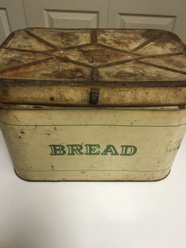 Vintage Bread Tin, Bread Box, Midcentury, Farmhouse Decor by MaggieBleus on Etsy