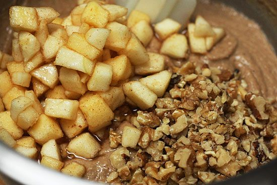 Applesauce Nut Bread | Skinnytaste | Skinnytaste Favorites | Pinterest