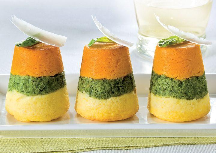Granarolo propone la ricetta degli sformatini di verdure tricolore a base di patate, spinaci e zucca.