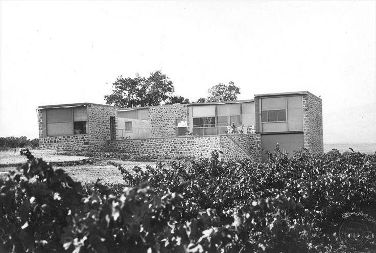 Villa de Madame H. de Mandrot, Le Pradet, France, 1929, Le Corbusier