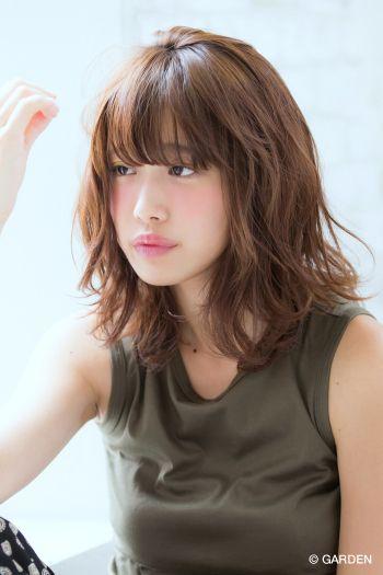 『joemi』無造作で柔らかいソフトパーマミディ 慶太郎 | GARDEN HAIR CATALOG | 原宿 表参道 銀座 美容室 ヘアサロン ガーデン