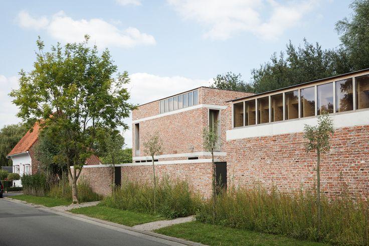 Uitgepuurde architectuur voor deze atelierwoning in Mariakerke | Gentcement