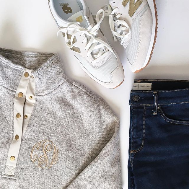 This is my go-to weekend and travel outfit right now. It's super comfy, but makes me feel put together and the little details like the gold and monogram make it feel like me! . . . #ootd #casualoutfit #casualstyle #stylegram #weekendstyle #collegestyle #styleblogger #marleylilly #gap #jcrew #newbalance