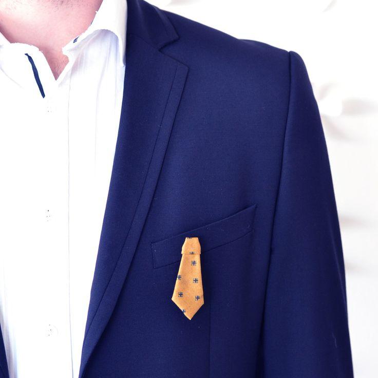Broche origami cravate jaune cumin : Bijoux pour hommes par crealina-shop