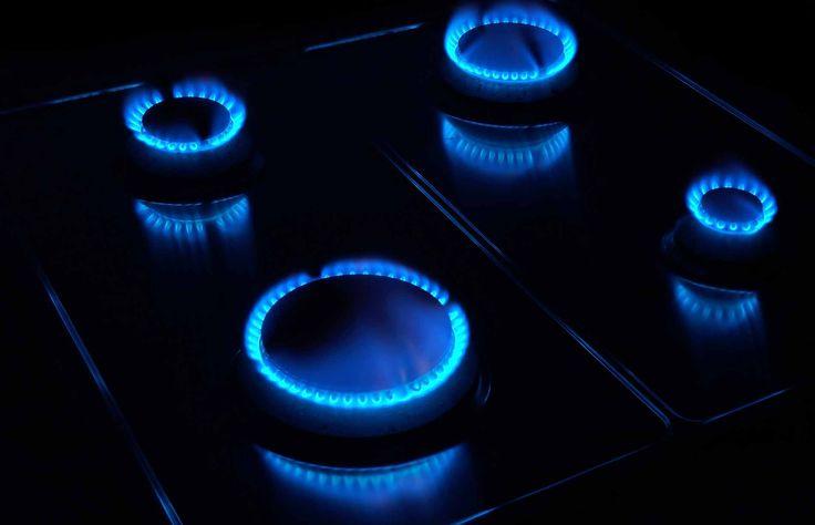 Met een robuust Etna fornuis kun je bakken, koken en warm houden tegelijk. De kookzones zijn op een slimme manier ingedeeld, zodat je genoeg ruimte hebt om pannen op te stellen. Daarnaast heb je met de oven ook alle ruimte. Hiermee heb je alle mogelijkheden op het gebied van koken. Wanneer je...