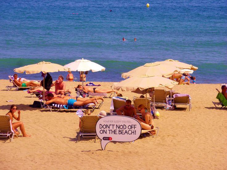 Warnhinweise für naive Touristen.