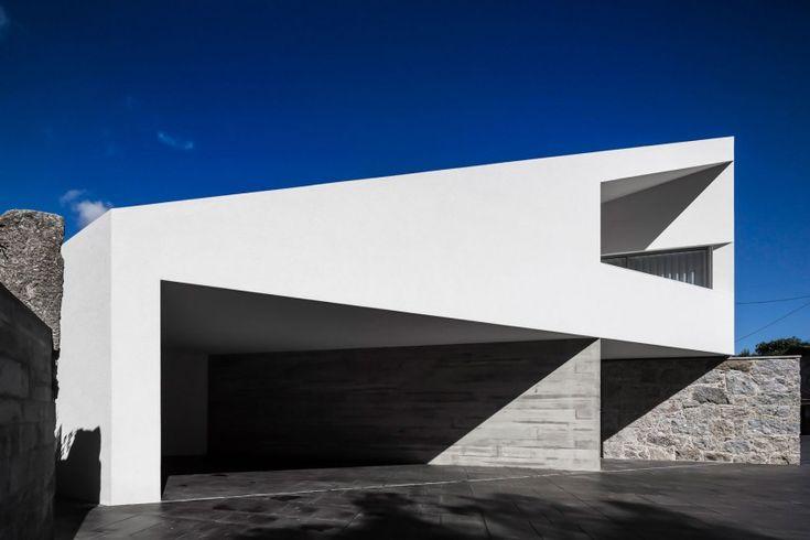 Taíde House by Rui Vieira Oliveira & Vasco Manuel Fernandes | Portugal