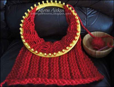 I like the look of this stitch pattern {Knitting With Looms}