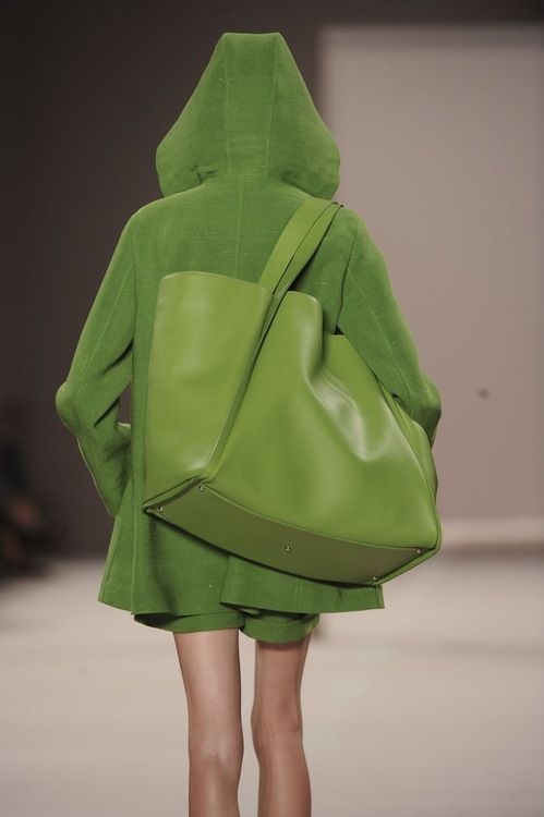 love this BIG green bag...but not too sure about the green exactly-matching hoodie LOL