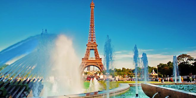 PARİS'İN TURİST KAYBI 1 MİLYAR EURO