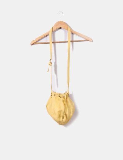 Bolso amarillo  Bershka