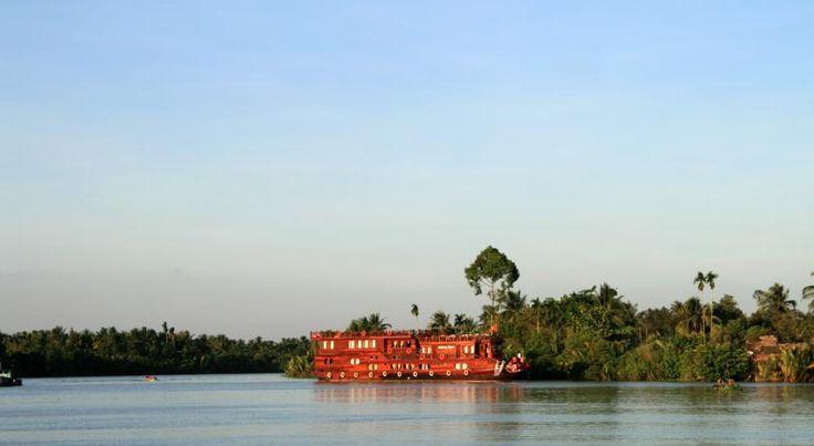 Vietnam, Mekong: Den berømte Mekongflod bør næsten opleves, og det gør du bedst, hvis du bor på den gamle rispram, Mekong Eyes.