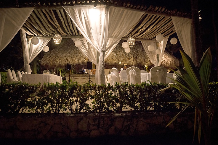 Parrot Bar at Majestic Colonial | Cozy reception location, a little more intimate than the Wet Bar | Vaughn Barry Photography #PuntaCana #DestinationWedding