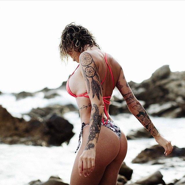 #frontarmy, what do you think to our second #wcw?  Model:@miss_tina_louise Photographer:@thedeathoffilm  #fronthumpday #wcw #tattoo #model #humpday