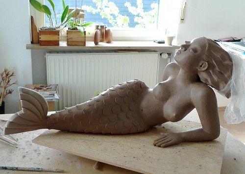 Gartenfigur in der Werkstatt – Meerjungfrau   Keramik Kunst Blog