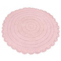 Dit Roundy kleed van het merk Kidsdepot is een zacht, rond vloerkleed. Het vloerkleed met een doorsnee van 110 cm en kan geplaatst worden in de babykamer, kinderkamer, speelkamer of woonkamer. Deze is gemaakt van katoen en verkrijgbaar in 5 hippe kleuren: roze, blauw, taupe, grijs en mintgroen. - WinjeWanje Interieurs