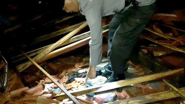 4 Rumah Roboh di Grobogan Dilanda Angin Puting Beliung  http://ift.tt/2yTVjCl