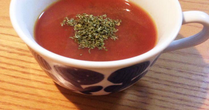 栄養たっぷり!ケールとビーツのスープ by TOMOGISU 2人分) にんにく 1片 玉ねぎ1/2個 ビーツ1個 ケール1袋(お好きな量) セロリ1本 オリーブオイル 適量 塩適量