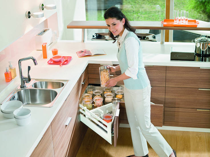 Antaro's corner cupboard solution - great for maximising #kitchen space