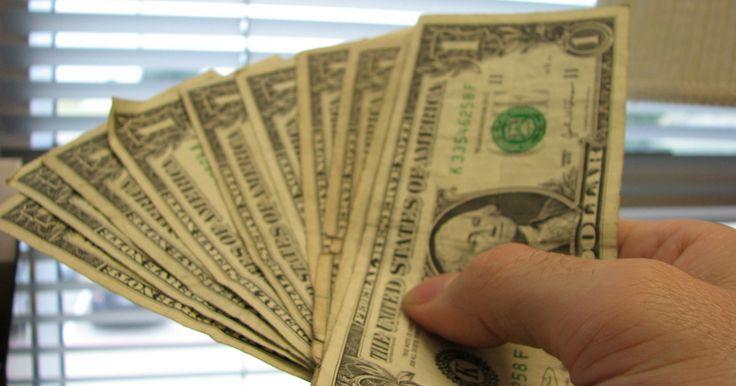 La cotización del dólar sobre los $2.500 tiene asombrados a muchos. Para algunos representa beneficios, para otros, pérdidas. Por eso FP hoy le cuenta qué comprar y en qué invertir para estar en el grupo de quienes le sacan provecho a este precio.