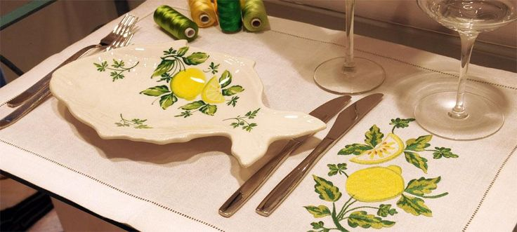 You can make on the linens the embroidery you like! Like this #TableCloth embroidery #lemons