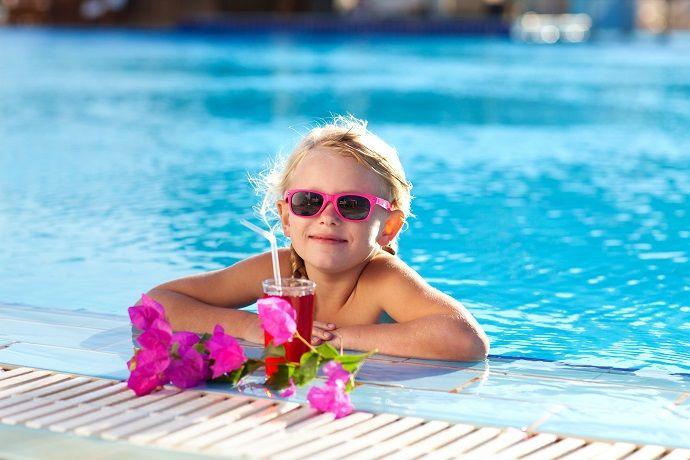 Podstawą udanego wyjazdu z dziećmi jest odpowiedni hotel z dodatkowymi atrakcjami dla najmłodszych. Sprawdź najlepsze hotele w Polsce na pobyt z pociechami!
