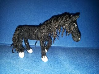 Black Beauty, amigurumi horse crochet - cavallo nero