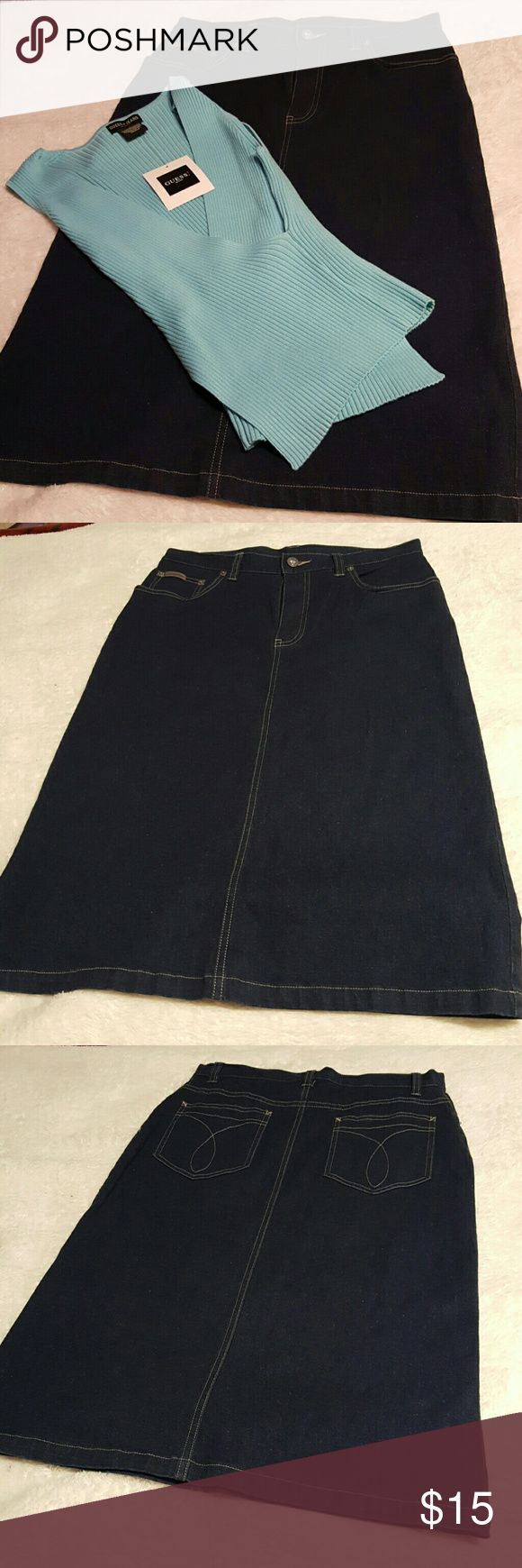 Calvin Klein jean pencil skirt Cute jean pencil skirt....this skirt has front and back pockets great for cell phones!  On slid on this beauty... Calvin Klein Jeans Skirts Pencil