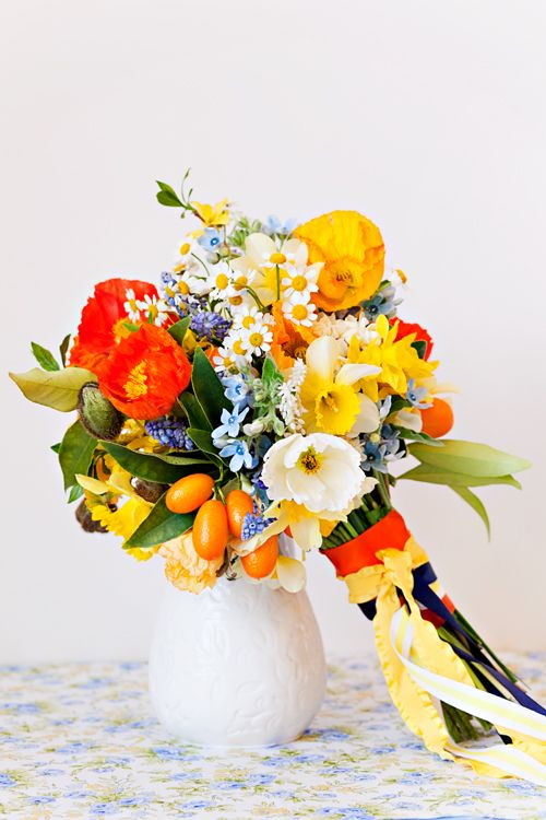 Poppy and Daffodil bouquet : Annabella Charles/ Haute Horticulture