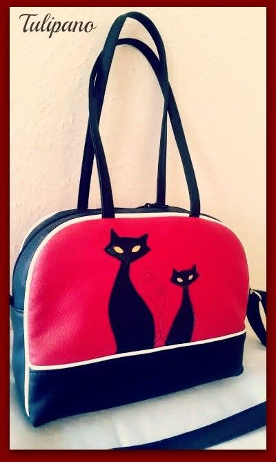 Kis kézitáska cicával piros-fekete-fehér