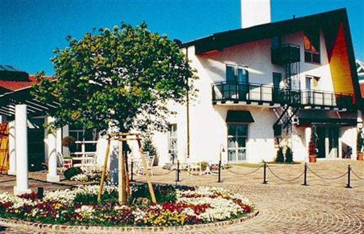 La casa de la selección  el frente del HerzogsPark transmite la serenidad en la que vivirá la selección