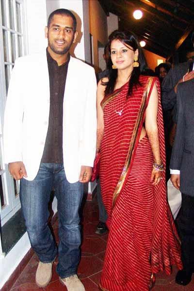 Mahendra S Dhoni & Sakshi Dhoni