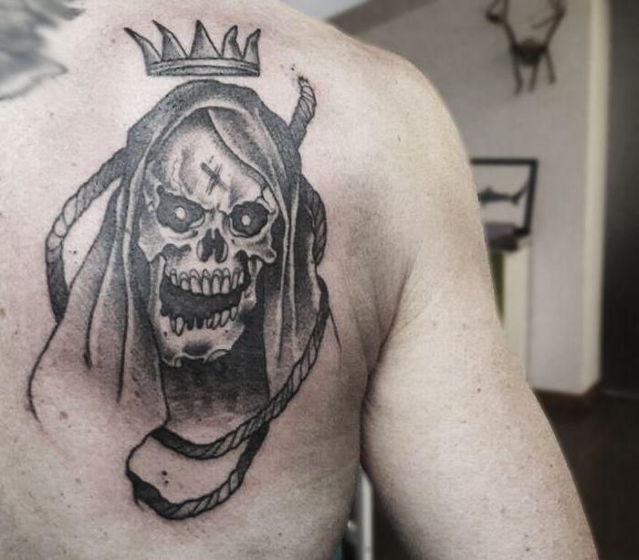 Tattoo done by our artist Elena Mignani (Vokun).  #tattoo #skulltattoo #blacktattoo #blackwork #darkart #darktattoo #dotwork #eviltattoo #evilskull #skulldesign #wobbajacktattoo