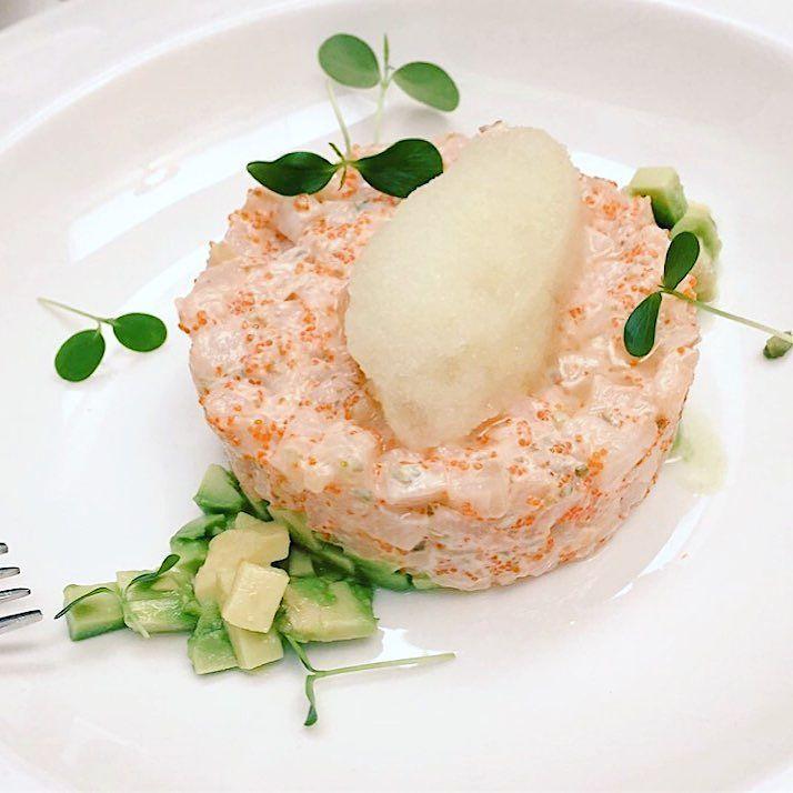 Nueva recomendación : #TARTAR de pez mantequilla aguacate y aderezo de miso @dmercao #tdsgastro #foodie #igersfoodies #foodiesevilla