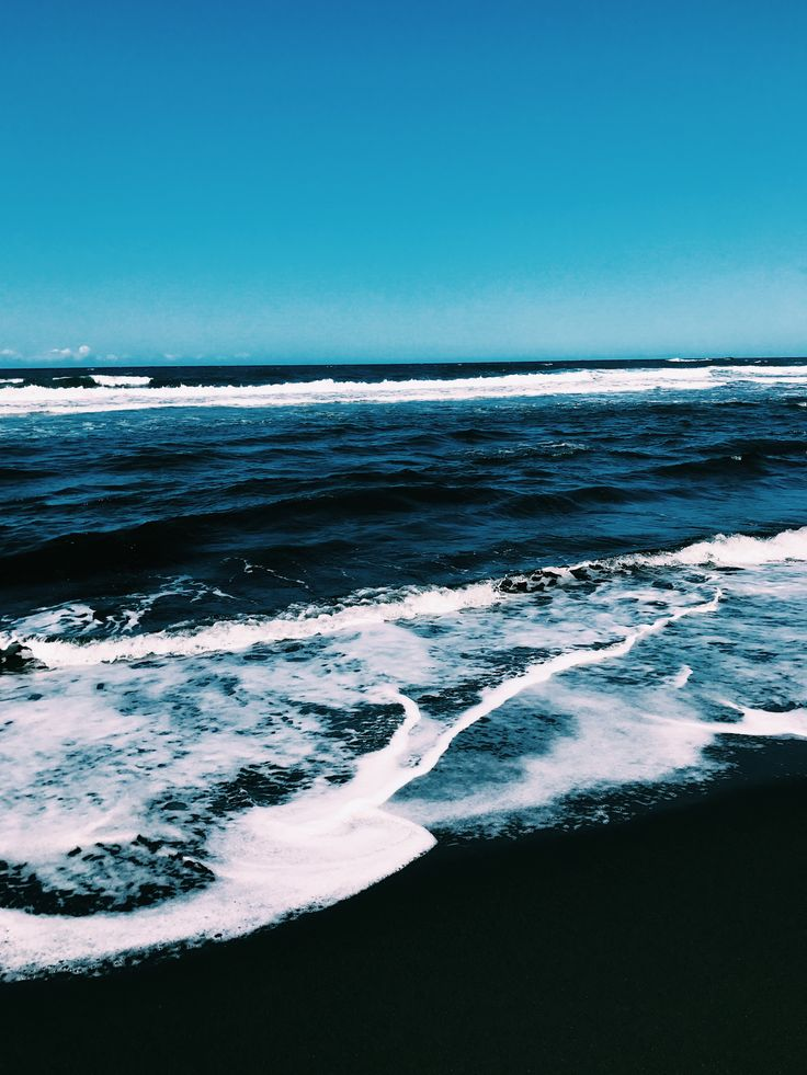 kapaau black sand beach, HI, USA @meshellg12