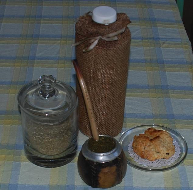 MATE CON SCONES at the HOUSE in B.A.