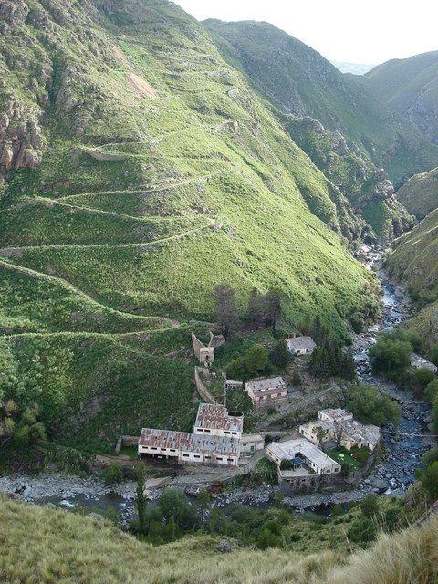 Pueblo Escondido, Cerro Áspero, Córdoba