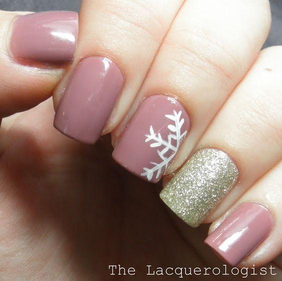 Hermoso diseños de uñas para navidad http://cursodeorganizaciondelhogar.com/hermosos-disenos-de-unas-para-navidad/