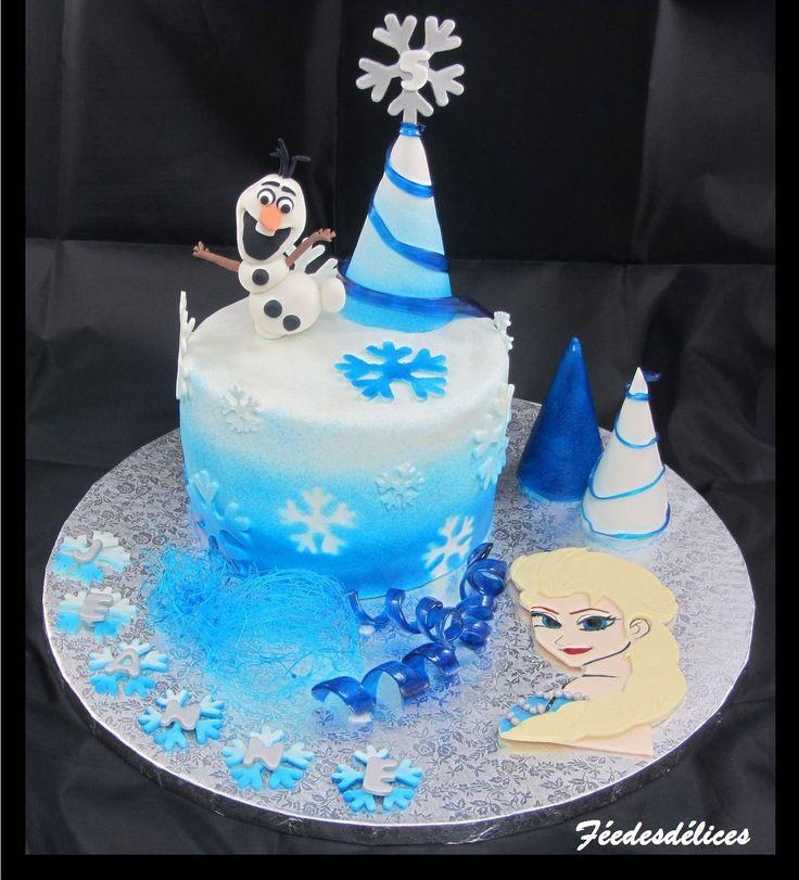 g teau reine des neiges et son modelage olaf parsem de sapin blanc et bleu frozen cake cake. Black Bedroom Furniture Sets. Home Design Ideas