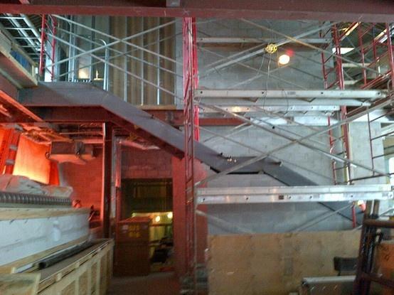 (Mars 2013) Escalier menant de l'espace d'exposition aux laboratoires d'apprentissages.