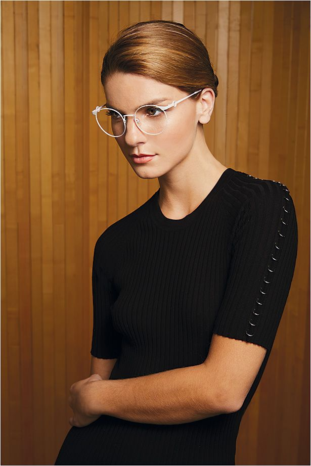 2302bdbc34b Fendi style FF 0305 from Safilo is a sophisticated round metal frame in  chalk pink